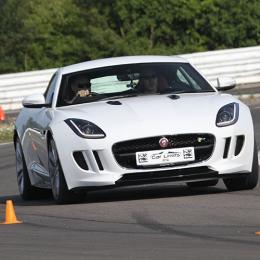 Tudo sobre o Jaguar F Type R