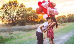 Amor tem 5 fases, mas casais desistem na metade, diz psicólogo