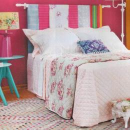 Ideias criativas para decorar a cabeceira da cama