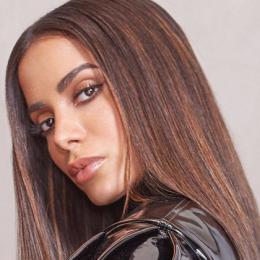 Anitta responde vereador que a comparou a garota de programa