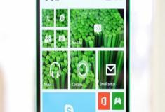 Conheça o Nokia Lumia 435, o celular sem bordas que nunca foi lançado