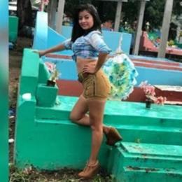 Jovens provocam revolta ao posar para ensaio sexy sobre túmulos