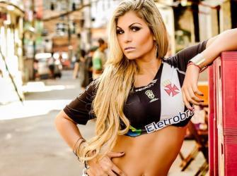Candidata a 'Musa do MMA' é vascaína e foi vencedora em lutas