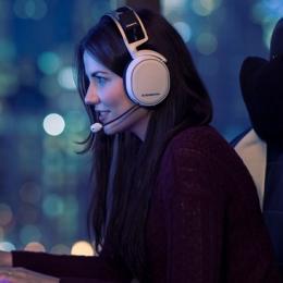 As 10 gamers youtubers mais bonitas da internet