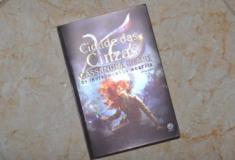 Resenha literária: Cidade das Cinzas