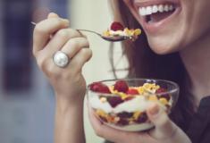 Conheça 10 alimentos que vão diminuir a sua vontade de comer doces