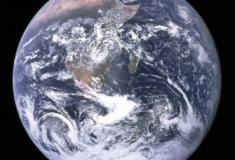 Como seria o mundo se a Terra fosse realmente plana, segundo a ciência