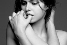 20 fotos estonteantes da atriz Alexandra Daddario