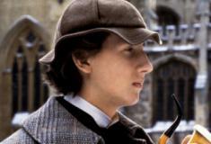 Sherlock Holmes tem a aventura de uma vida em O Enigma da Pirâmide