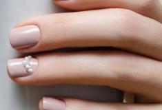 Unhas para casamento: inspirações de esmaltes e nail art para as madrinhas