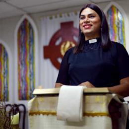 Pastora trans fala sobre ser mãe