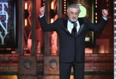 Robert De Niro xinga Donald Trump e é ovacionado no Tony Awards 2018