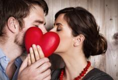 Por que o Dia dos Namorados é em junho no Brasil?