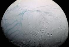 Cientistas descobrem moléculas necessárias para a vida em lua de Saturno