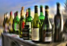 Por que o consumo de álcool causa visão turva?