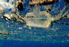 Plástico também emite gases do efeito estufa