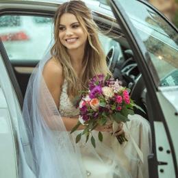Saiba tudo sobre o casamento secreto da atriz Sthefany Brito