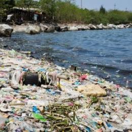 A quantidade de plásticos nos oceanos duplicará até 2050