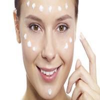 Aprenda passo a passo como fazer limpeza de pele em casa