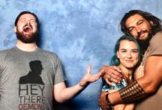 Jason Momoa trolla diversos casais em fotos de maneira hilária