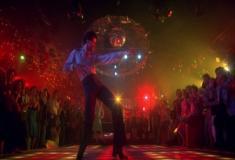 Os Embalos de Sábado à Noite - um enorme sucesso comercial