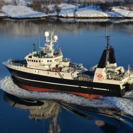 Traineira encalhou acima do Circulo Polar Ártico, 14 tripulantes resgatados