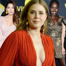 Amy Adams posa deslumbrante na estreia do seu novo filme