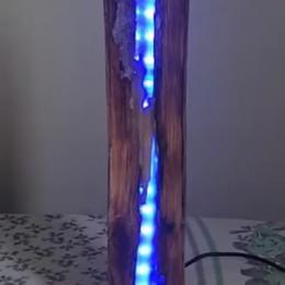 Como fazer uma luminária com madeira e resina poliéster