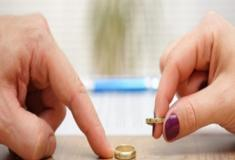 Mulher é chamada de 'estúpida' e pede divórcio três minutos após o casamento