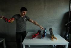 Estudante cria prótese com Lego