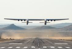 O maior avião do mundo voou no sábado pela primeira vez