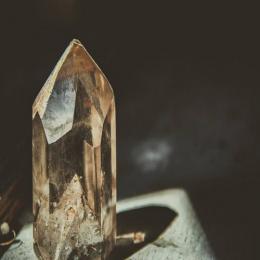 Os poderes sobrenaturais das pedras preciosas