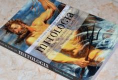 Resenha literária: O Livro de Ouro da Mitologia