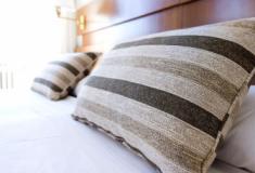 Como escolher o travesseiro ideal para ter uma boa noite de sono