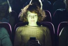 Pessoas mal educadas no cinema