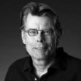 Leia o review de mais um filme baseado na obra de Stephen King: Voo noturno