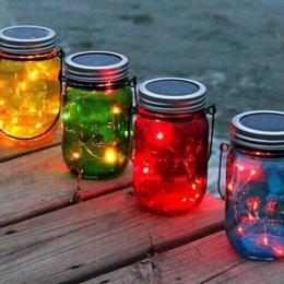 Como fazer lanternas decorativas usando potes de vidro