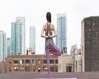 Veja dicas de exercícios e alimentos que ajudam a encarar a TPM de forma mais leve