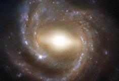 Beleza hipnotizante de uma galáxia madura, na visão do Hubble