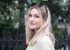 Xuxa desmente romance de Sasha com Loreto: 'Feliz Solteira'
