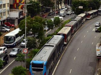 Motoristas e cobradores de São Paulo param três horas nesta quarta