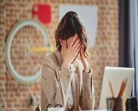 Trabalho em excesso pode aumentar em 45% o risco de AVC, diz estudo