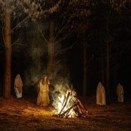 Antigas tradições de bruxaria voltam à tona em