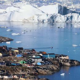 Gronelândia perdeu 217 mil milhões de toneladas de gelo no último mês