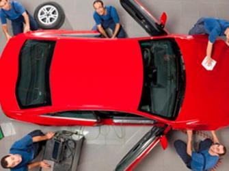 Economista e publicitário trocam de carreira pela paixão por carros customizados