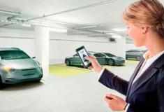 Motoristas substituem as chaves do carro por aplicativo