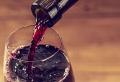 Oito usos surpreendentes para o vinho