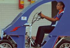 Estudantes da Bahia criam veículo elétrico controlado por celular