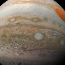 Tempestades gigantes de amônia podem desbotar as faixas coloridas de Júpiter