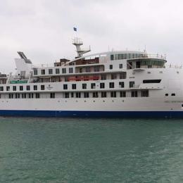 SunStone recebe o primeiro navio de cruzeiro de expedição construído na China